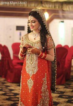 Ayeza Khan - Aiza Khan in bridal dress during her wedding Bridal Mehndi Dresses, Pakistani Bridal Wear, Pakistani Wedding Dresses, Bridal Outfits, Bridal Lehenga, Designer Wedding Gowns, Designer Dresses, Trends 2018, Bridal Looks