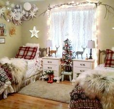 12 Gorgeous Christmas Kids Room Design and Decorating Idea for Your Beloved Kids 12 Christmas Bedding, Christmas Interiors, Winter Bedroom Decor, Noel Christmas, Xmas, Primitive Christmas, Country Christmas, Outdoor Christmas, Christmas Christmas