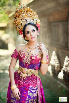 Kebaya Bali, Oriental Fashion, Asian Fashion, Indonesian Women, Indonesian Wedding, Costumes Around The World, Arab Girls, Beautiful Girl Image, Artistic Photography