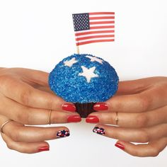 Cupcake by @trophycupcakes, nails by @julepmaven #4thofJuly