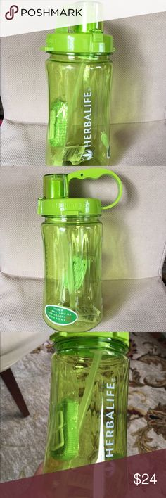 Herbalife space water bottle 1000ml Herbalife brand new space bottle 1000ml 💚Can be use as a water bottle or shake cup~ 💚best quality ever💚easy to wash 💚buy 2 more have 10% discount Herbalife Other