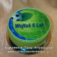 050. Tort z piłką i boiskiem. Cake with ball and with court.
