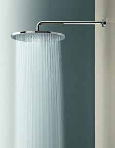 Shower Head James K Bien choisir son équipement de salle de bain 30 Things You Don't Need But Still Want To Have Atlantis Rain Shower Heads Bathroom Shower Heads, Rain Shower Heads, Modern Shower Heads, Shower Heads Best, Large Shower Heads, Big Shower, Shower Set, Shower Head Reviews, Waterfall Shower