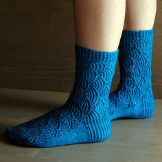 Ravelry: Pomatomus pattern by Cookie A Knitting Socks, Ravelry, Needlework, Knit Crochet, Diy Crafts, Collection, Cookie, Fashion, Wrist Warmers