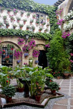 Decorative Andalusian courtyard in Cordoba Spain - Viana Palace. Find this Pin and more on Beautiful home gardens ... & 107 best Beautiful home gardens \u0026 Flowers images on Pinterest ...
