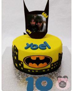 Yoel cumplia 10 años y le sorprendieron con esta tarta de su pasión: Batman y una foto (con impresión comestible) muy simpática con su prima. Felicidades!  #tartas #cakes #tartasinfantiles #childrencakes #Batman #reposteríaCreativa #DiTartas #Alicante #Petrer #Elda