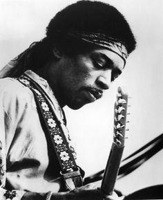 """El prodigio de la guitarra eléctrica, Jimi Hendrix, estaba obsesionado, a principios de 1968, en expandir sus horizontes musicales; buscar otros compañeros de viaje. Jimi era un alma inquieta"""", le define el colaborador, amigo y veterano productor Eddie Kramer a la hora de dar cuenta de una colección de grabaciones de estudio inéditas que saldrán al mercado el 5 de marzo y que son el reflejo de ese empeño de Hendrix por imprimir un cambio de dirección en su corta pero exitosa carrera musical."""