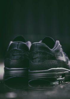 Nike Air Max 1 Ultra Flyknit 'Blackout' (via CHMIELNA20)