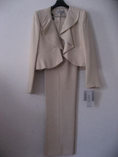 KASPER-SUIT-NEW-WITH-TAGS-Size-4