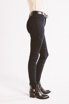 Women's Kevlar lined motorcycle riding jeans that is fully lined with Dupont™ Kevlar® and stretch denim by Cone Mills®. Vintage inspired riding jeans.