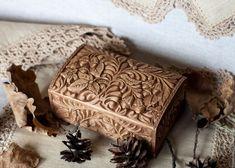 """Купить """"Лесной орех"""" резная шкатулка (для колец) 14х9 см Резьба по дереву Эко"""