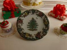 Christmas Tree Grove Plate for Dollhouse by Twelvetimesmoreteeny, €2.80