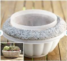 Concrete planters:Here's a use for those lidless plastic storage containers: Make lightweight hypertufa pots -- ideal for succulent plants. Diy Concrete Planters, Concrete Bowl, Concrete Molds, Concrete Crafts, Concrete Art, Concrete Projects, Concrete Garden, Garden Planters, Concrete Edging