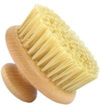 Dry brushing your skin, who knew something so simple and cheap is so good or you. Removes toxins, get glowing skin, help cellulite.tried it today and it is so invigorating. Benefits Of Dry Brushing, Dry Brushing Skin, Dry Skin, The Body Shop, Organic Skin Care, Natural Skin Care, Natural Beauty, Beyond Skin, Exfoliant