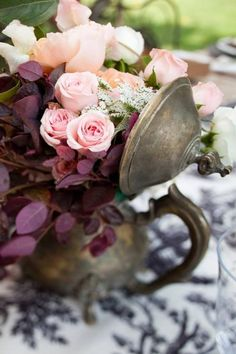 Old silver and flowers ~ Ana Rosa My Flower, Fresh Flowers, Beautiful Flowers, Romantic Flowers, Elegant Flowers, Cut Flowers, White Flowers, Purple Home, Deco Floral