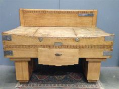 BILLOT TABLE DE BOUCHER EN HETRE ANCIEN Butcher table