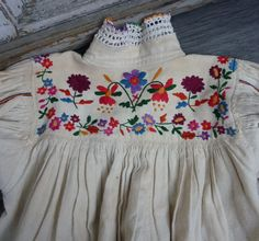 Paloc embroidered smock  parna.co.uk Embroidery Fabric, Machine Embroidery Designs, Folk Costume, Costumes, Simple Shirts, Dress Out, Fabric Scraps, Folklore, Hungary