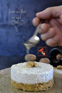Cheesecake d'Eric sans cuisson au roquefort et noix – Kaderick en Kuizinn http://www.kaderickenkuizinn.com/2013/10/cheesecake-roquefort-noix-culino-versions/ #cheesecake #culinoversions
