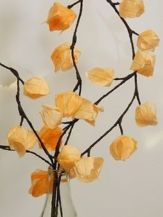 Paper Pendulum: Coffee Filter Flowers (and lots other paper flowers) Coffee Filter Crafts, Coffee Filter Flowers, Coffee Filters, Diy Paper, Paper Art, Paper Crafts, Tissue Paper, Crepe Paper Flowers, Fabric Flowers