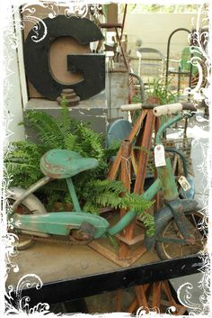 A blog focusing on vintage home decor, arts and crafts with a vintage flair, and gardening in Arizona.