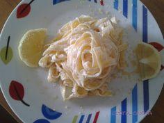 Le tagliatelle al limone sono un primo piatto semplicissimo e velocissimo da preparare: solo il tempo di cottura!