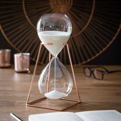 COPPER glass hourglass with metal holder H 26 cm Diy Room Decor For Teens, Cute Bedroom Decor, Room Design Bedroom, Room Ideas Bedroom, Home Room Design, Rose Gold Room Decor, Cute Furniture, Sand Glass, Copper Glass