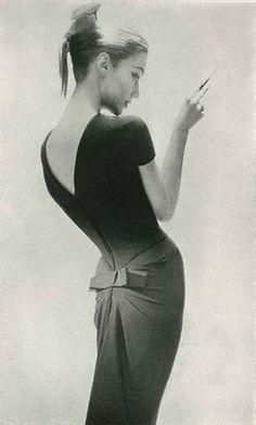 Lillian Bassman - A legendária fotógrafa que trouxe beleza e sofisticação à…