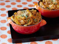 For meal deliveries-Pumpkin Baked Ziti recipe from Paula Deen via Food Network Pumpkin Pasta, Baked Pumpkin, Pumpkin Recipes, Fall Recipes, Dinner Recipes, Dinner Ideas, Pumpkin Dishes, Pumpkin Sauce, Lunch Ideas