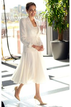 Angelina Jolie-Pitt ♥♥♥♥ MY FASHION ICON ♥♥♥ DISCOVERED AND PINNED BY RPENROSE