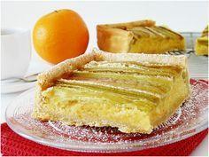 Elle fait partie du trio de mes tartes favorites avec celles au citron et aux fraises mais c'est quand-même elle que je place sur la plus haute marche du podium. On peut dénicher sur ce blog plusieurs versions de la tarte à la rhubarbe, en voici une autre...