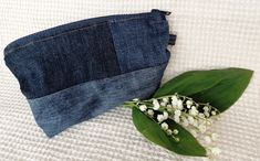 #oldjeans #oldjeansintobag Old Jeans, Recycled Denim, Handicraft, Make Up, Projects, Bags, Craft, Log Projects, Handbags
