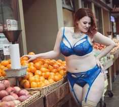 Beautiful plus size girls and something else like geek stuff, Pokémon, Star Wars, cosplay,. Sexy Outfits, Cool Outfits, Film Blue, Curvy Women Fashion, Women's Fashion, Curvy Models, Iconic Photos, Plus Size Swimsuits, Tatoo