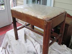 I picked up this vintage vanity bench at a yard sale last year. I painted it with Cece Caldwell's Santa Fe Turquoise and covered the seat with chenille from a p… Furniture Vanity, Vanity Stool, Refurbished Furniture, Repurposed Furniture, Bathroom Furniture, Vintage Furniture, Painted Furniture, Furniture Ideas, Antique Vanity