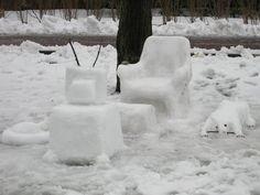Making a snow room . . . another fun snow sculpture idea! It's great for a group of kids, because each kid can work on their own piece of furniture or element of the room so there are fewer clashes of interest. File it away under easy snow sculptures / things to make in the snow!