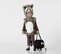 They can dress up as their favorite woodland creature this Halloween with our adorable Woodland Raccoon Costume. This two-piece costume features a friendly raccoon face on the headpiece and a bushy striped tail on the romper. Raccoon Halloween, Raccoon Costume, Animal Halloween Costumes, Cool Costumes, Family Halloween, Halloween 2017, Halloween Accessories, Woodland Creatures, Pottery Barn Kids