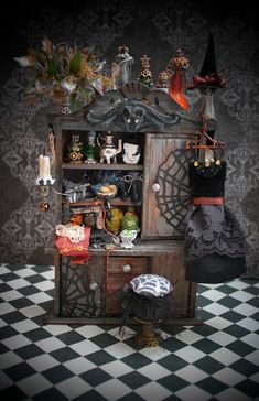 Day Miniatures Works in Progress: Updated photographs-New Dollhouse Miniature Witch Sewing Cabinet :) Haunted Dollhouse, Haunted Dolls, Dollhouse Dolls, Dollhouse Miniatures, Dollhouse Ideas, Haunted Houses, Miniature Rooms, Miniature Furniture, Dollhouse Furniture