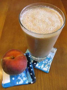 Recept Amandel Smoothie Perzik. Lekkere plantaardige smoothie met o.a. amandelen, perzik en rijstmelk. Amandelen zijn enorm lekker en gezond. Een smoothie vol mineralen, vitamines, en vezels.