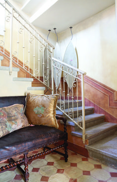 Dimore decorate   Boiserie scala dipinta con caseine e pigmenti naturali