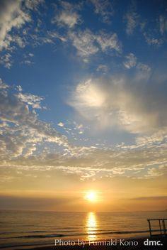 彩雲と夕陽  Sunset & Iridescent clouds