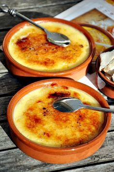 """Voici ma première recette Espagnole du concept """"Kitchen Trotter"""" Un dessert que j'aime particulièrement... Je vous ai parlé de cette start-up dans un billet précédent et le thème du kit que j'ai reçu est sur l'Espagne. Ingrédients pour 6 personnes 750..."""