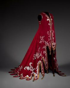 Harpist's cloak designed by Alexander Benois for the Ballets Russes ca. 1909