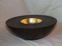 Schale: Rüster (Ulme), 20 x 7 cm, schwarz lackiert, Einlassungen: Blattgold 24 Karat / Preis: 400,00 € (verkauft)   - rogler-art.de
