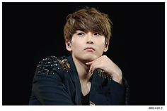 Super Junior Super Show 4 -Shanghai at Mercedes Benz Arena Kim Ryeowook, Heechul, Super Junior, My Superman, Im Lost, Korean Men, Dimples, Pop Group, Shanghai