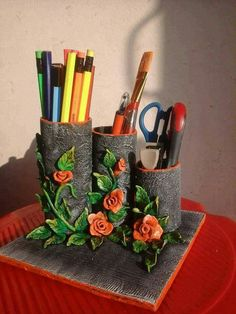 Diy Home Crafts, Crafts For Kids, Arts And Crafts, Bottle Art, Bottle Crafts, Cardboard Crafts, Paper Crafts, Herz Tattoo, Clay Wall Art