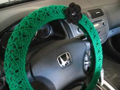 """• Hand-crocheted with 100% acrylic •It fits a standard 46.5-47""""circumference (or 14.5-15"""" in diameter) steering wheel • Can be used all year round •"""