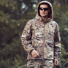 51.72$  Watch here - http://ali9hn.shopchina.info/go.php?t=32727839622 - Tactical Gear Softshell Camouflage Outdoors Jacket Men Army Waterproof Warm Camo Hunting Clothes Windbreaker Military Jackets 51.72$ #magazineonlinewebsite
