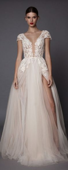 Belahan depan. Muse by Berta Wedding Dress