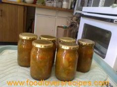 Kerrie-groenboontjies South African Recipes, Preserving Food, Canning Recipes, Chutney, Preserves, Pickles, Green Beans, Salsa, Recipies