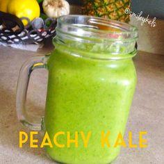Smoothie #1 : Peachy Kale (Recipe on the Blog)