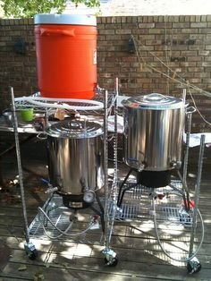 Homebrewing setup Simple gravity set up. Brew Stand, Whiskey Dispenser, Beer Brewing Kits, Beer Tower, Home Brewing Equipment, Home Brewery, Beer Fest, Beer Recipes, How To Make Beer